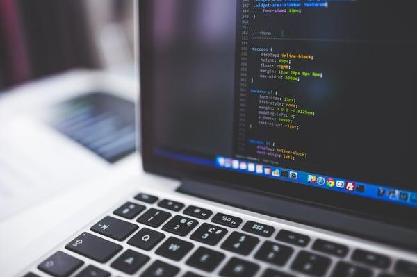 Einblick in den HTML-Code einer Seite.