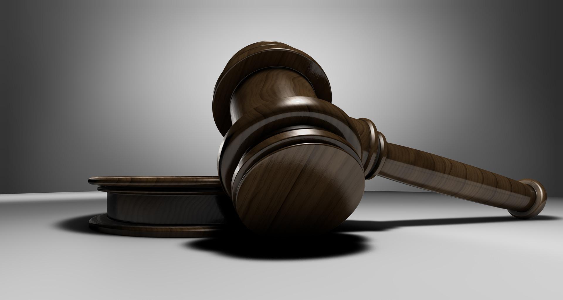 judge-3665164_1920-1